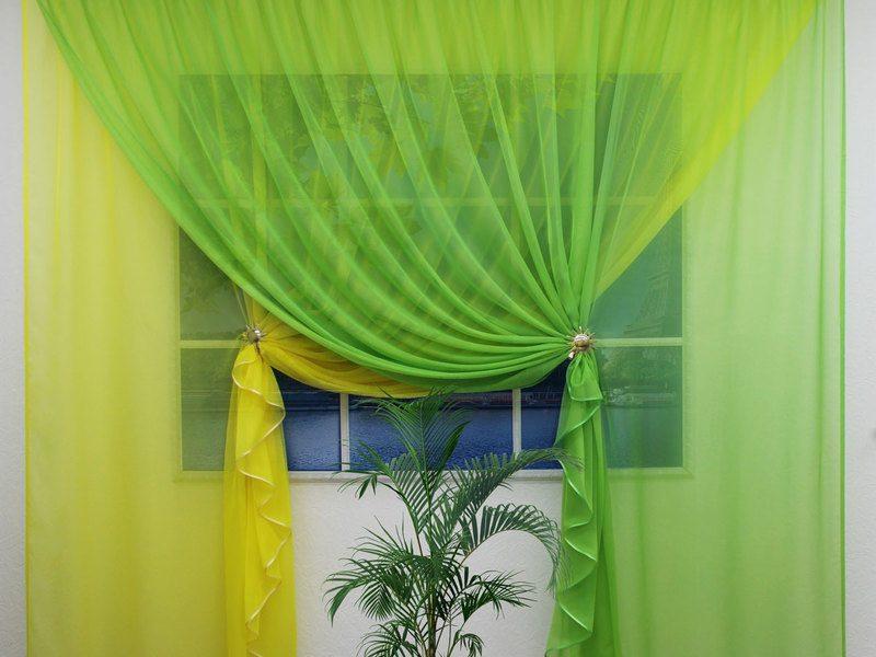 Шторы из вуали двух цветов с фото: сочетание в интерьере