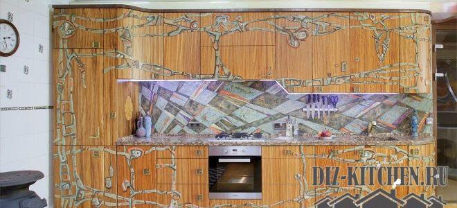 Эксклюзивная дизайнерская кухня из дерева с керамическим вставками