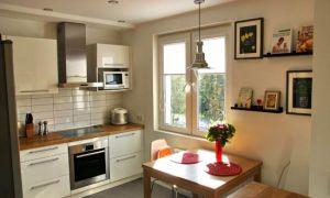 Скандинавский стиль белой кухни-гостиной площадью 10,5 кв.м