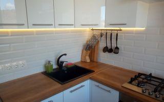 Дизайн кухни 6 кв. м. в хрущевке с мини-столом вместо подоконника