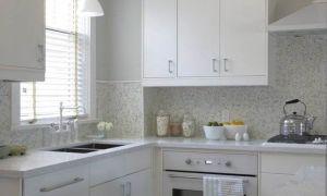 Дизайн белой кухни с островом 12 кв.м