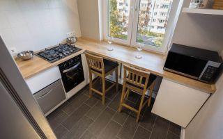 Стильные дизайнерский проект маленькой кухни в классическом стиле в хрущевке