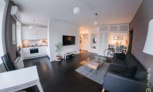 Дизайн кухни-гостиной в хрущевке в белом цвете