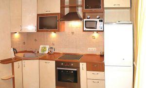 Какие бывают декоративные короба для вытяжки на кухне?