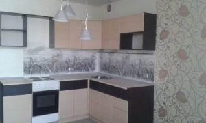 Угловая кухня 11 кв.м в однокомнатной квартире с вариантами расстановки мебели