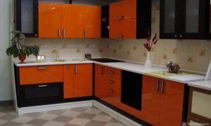 Дизайн кухни в оранжевом цвете. Фото смелых решений