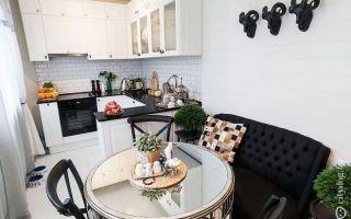 П-образная планировка кухни с диваном