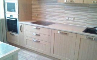 Дизайн прямой кухни 9 кв.м из массива