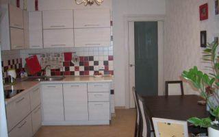 Мини-офис: объединенная кухня с балконом на 11,3 кв. м