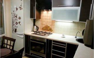 Современная кухня 8 кв.м с уютной обеденной зоной
