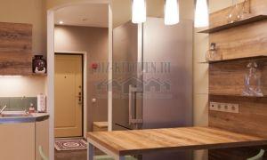 Современный дизайн интерьера кухни на 16 кв. м цвета дуб-ваниль