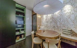 Оригинальный проект кухни с авторской росписью фасадов: фермерский стиль