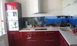 Дизайн угловой красной кухни 10 кв.м