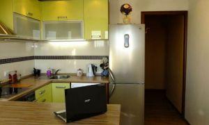 Выделенная обеденная зона в кухне 12 кв.м
