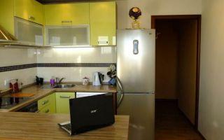 Дизайн кухни 12 кв.м. с эркером и выделенной обеденной зоной