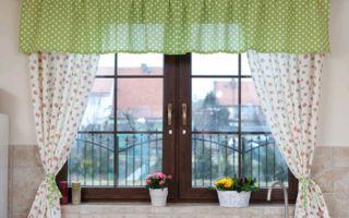 Оформление окна на кухне: обзор интересных идей, фото удачных решений