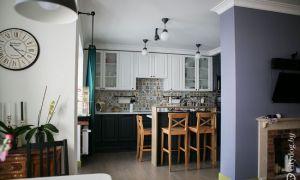 Высокая кухня для высоких людей в стиле прованс