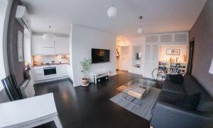 Дизайн белой кухни-гостиной в двухкомнатной хрущевке 43,5 кв.м