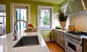 Можно ли делать натяжной потолок на кухне с газовой плитой?