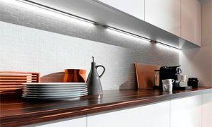 Светодиодная подсветка для кухни рабочей зоны: правила установки и подключения