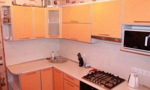 Дизайн угловой оранжевой кухни 10 кв.м