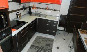 Кухня венге с оранжевым цветом 9 кв.м