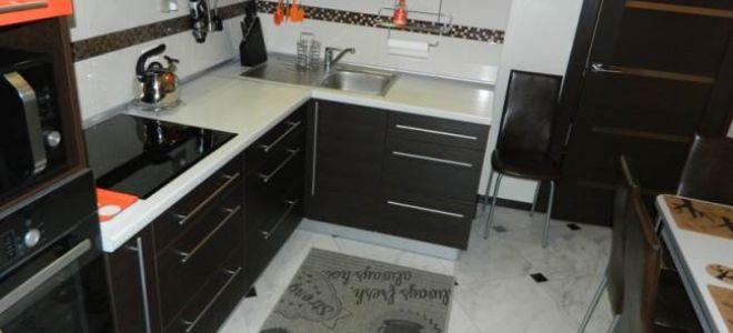 Кухня цвета венге с оранжевым 9 кв.м