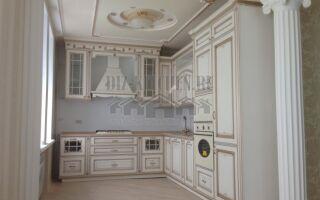 Итальянская кухня Афина Оро из массива ясеня на площади 20 м<sup>2</sup>