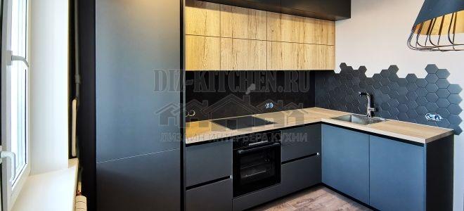 Черная матовая кухня холостяка в современном стиле