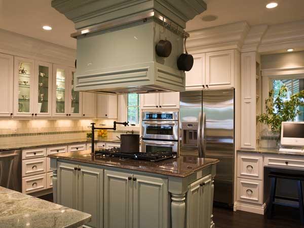 Плита на кухонном острове