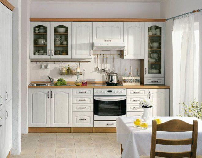 белая малогабаритная прямая кухня