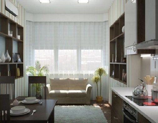 диван на кухне рядом с окном