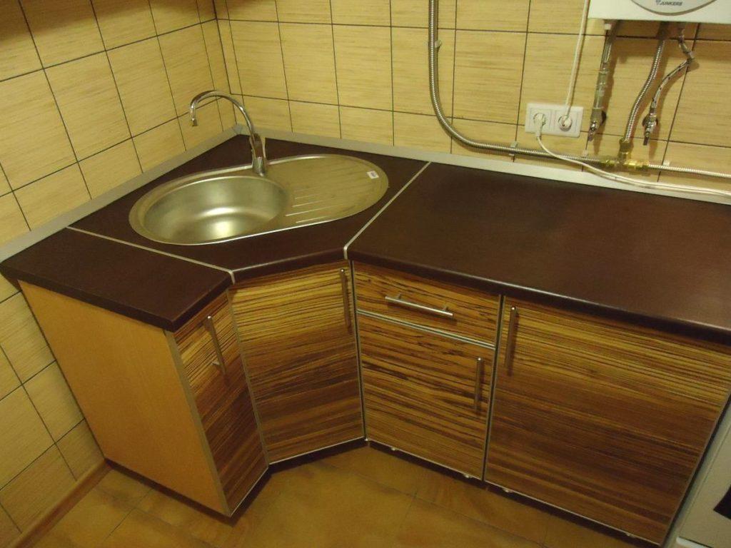 трапецевидная мойка для кухни