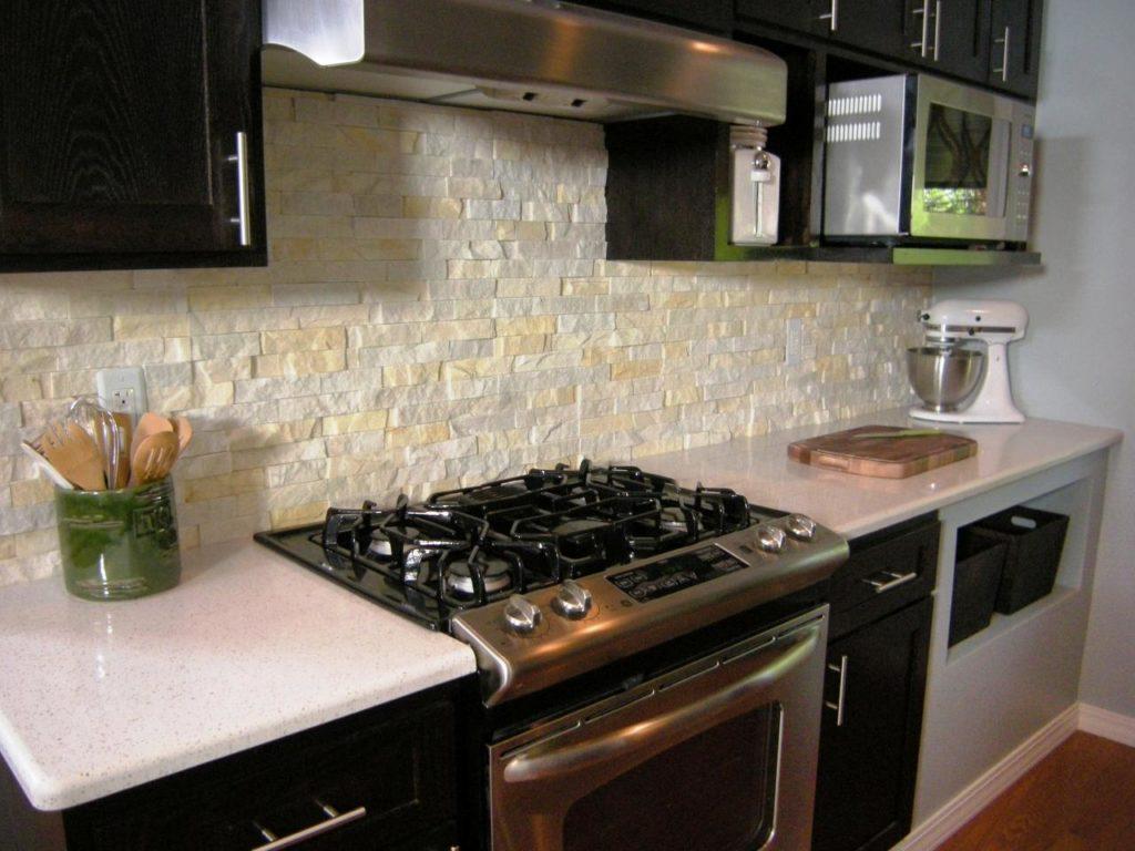 фартук на кухне с газовым котлом
