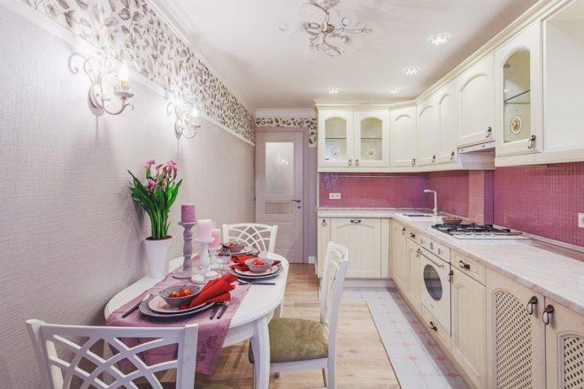 розовый фартук из плитки на кухню