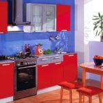 сочетания цветов на красной кухне