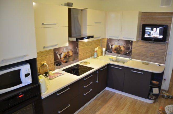 кухня 8 кв м встраиваемая техника