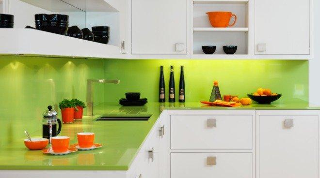 Кухня цвета лайм в стиле минимализм