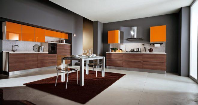 Серый и оранжевый цвета на кухне