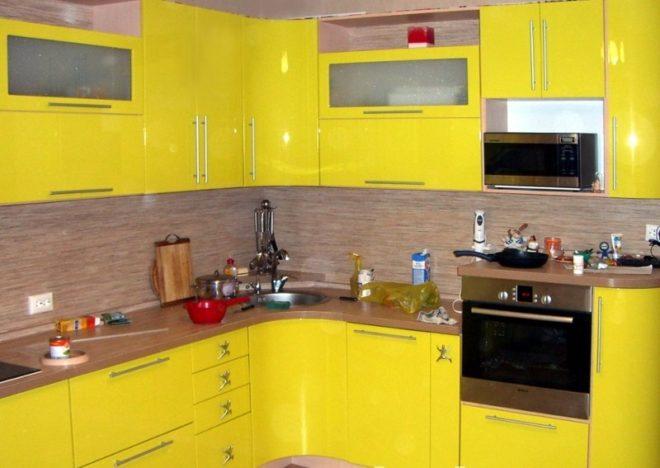 Кухня желтого цвета