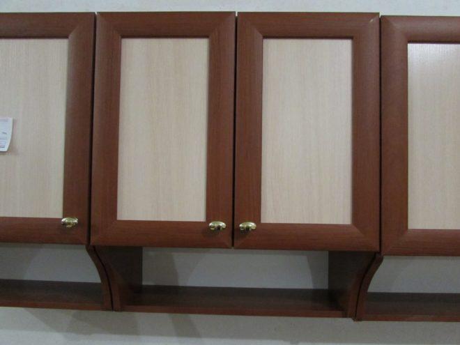 Навесной кухонный шкаф