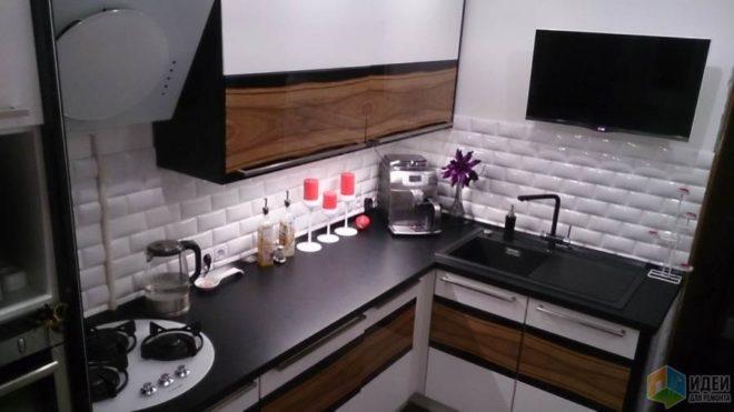 Современный телевизор на кухне