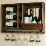 Удобный стеллаж или шкаф для хранения бутылок марочного вина
