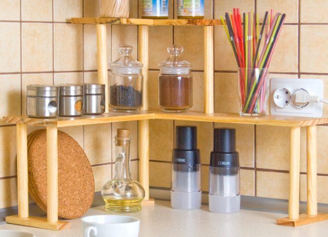 Виды декоративных кухонных полок