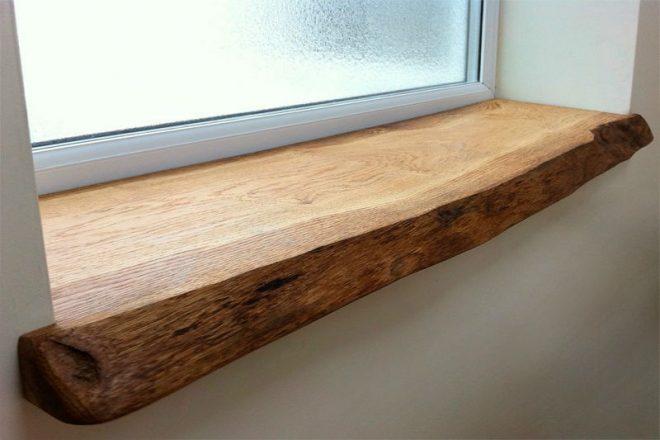 Подоконник на кухне из древесного массива