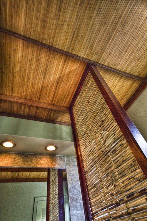 Бамбуковый потолок на кухне