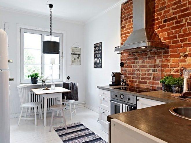 Декоративная кирпичная кухонная стена