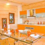 Дизайн кухни в оранжевом цвете: фото смелых решений