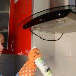 Как очистить и отмыть кухонную вытяжку от жира?