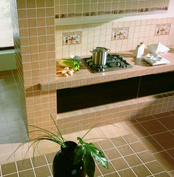 Керамическая плитка на маленькой кухне